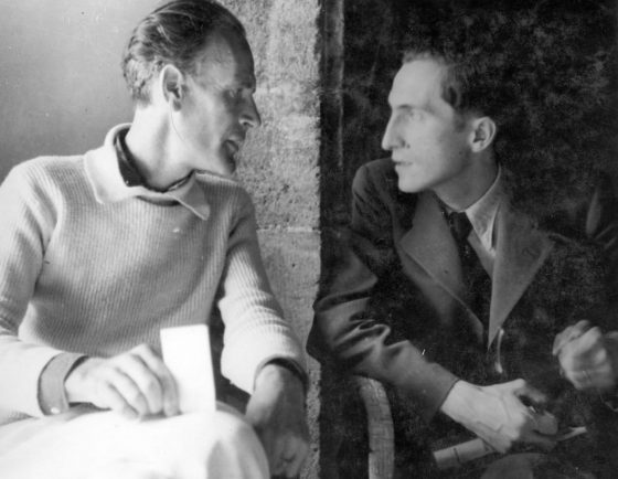 Avec le poète Pierre Emmanuel (Lourmarin, septembre 1941).