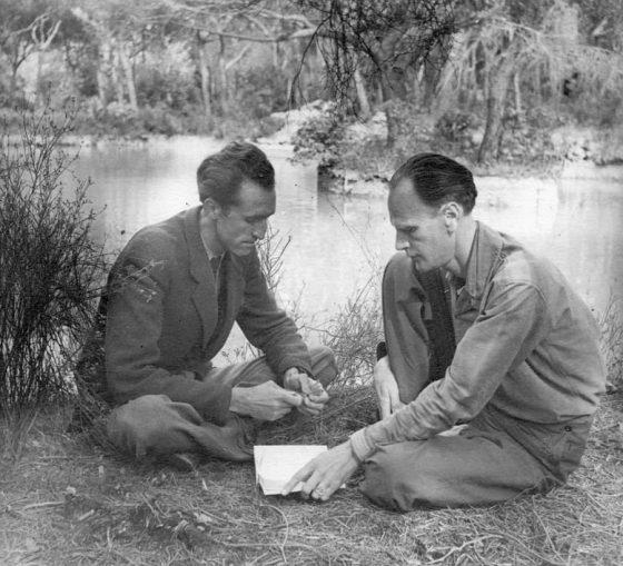 Avec Luc Dietrich (1942).