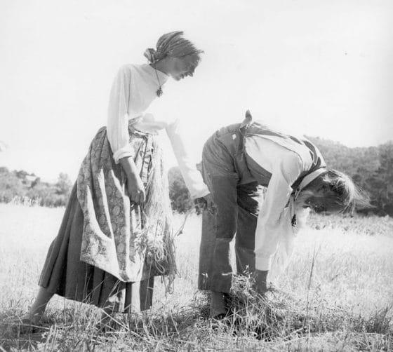 Lanza del Vasto - Aux champs, avec Maryse