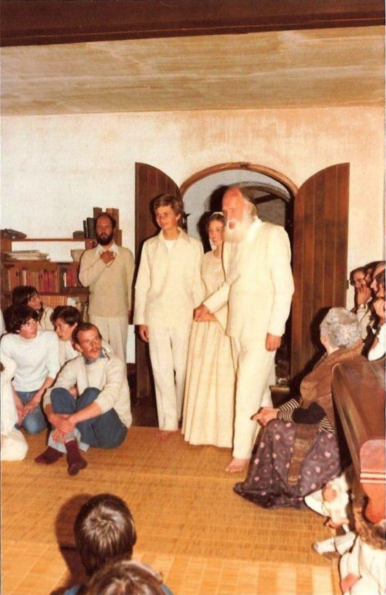 Lanza del Vasto - Entrée dans la salle commune