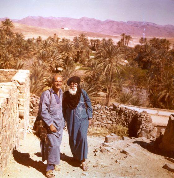 À Tata (Maroc) avec son successeur Pierre Parodi, vers 1970.