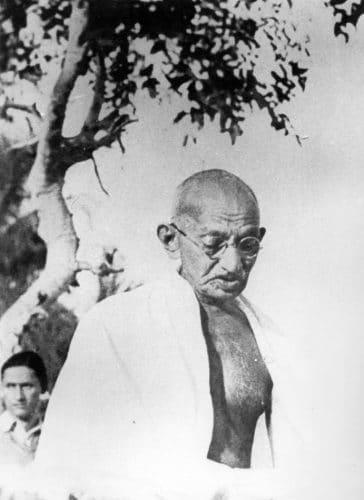 El encuentro decisivo - Lanza del Vasto y Gandhi